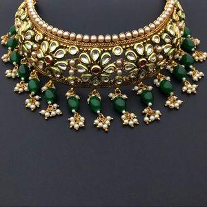 Gold plated kundan necklace set - brand new
